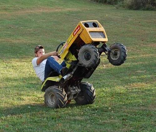 27 Perfect Funny Riding Lawn Mowers - pixelmari.com