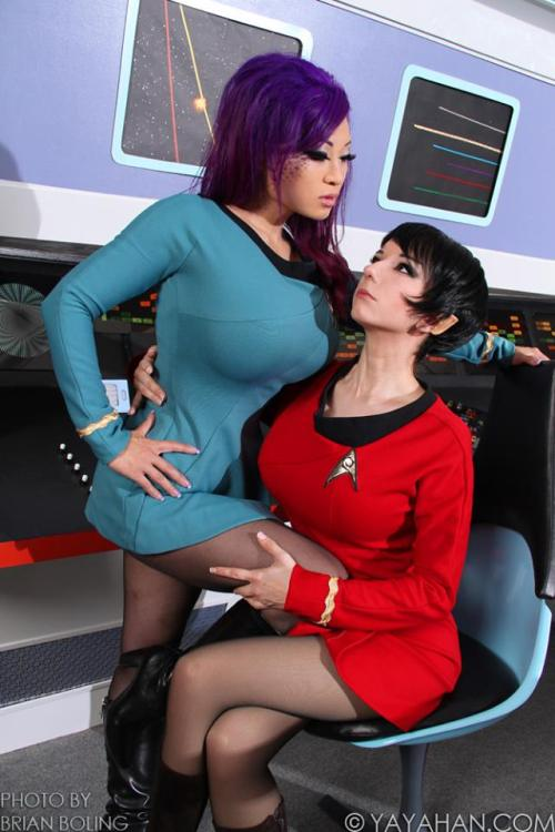 Ivy Doomkitty and I think Riddle?  Bringing the awesome to Star Trek
